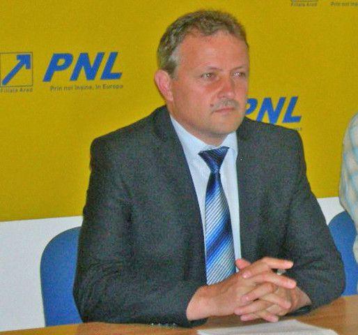 Un consilier PSD acuză primarul din Sântana de amenințări