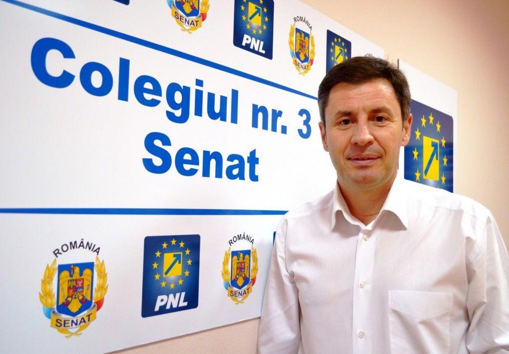 Senatorul Traian Igas a interpelat CNADN pentru repararea gropilor pe DN7