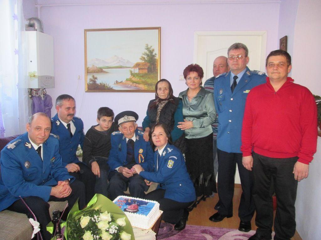 Veteranul CRĂCIUN PANTEA la împlinirea a 105 ani de viață