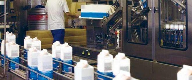 Una din trei fabrici de lapte inchise din cauza importurilor
