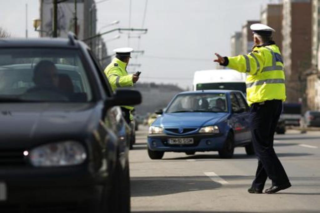 Acțiune de amploare a polițiștilor rutieri, în Arad! 797 de șoferi au fost amendați