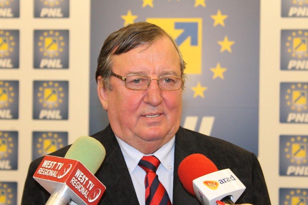 """Vasile Ciceac: """"Mă văd obligat să renunţ la SMURD şi la Centrul de zi pentru minori"""""""