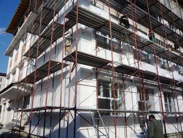 Nouă blocuri din Arad incluse într-o cerere de finanţare pentru reabilitare termică pe fonduri europene