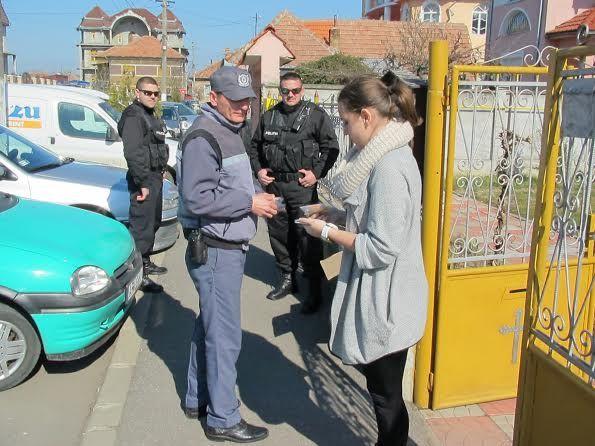 Politia Locala a dat cadouri dulci de 8 martie