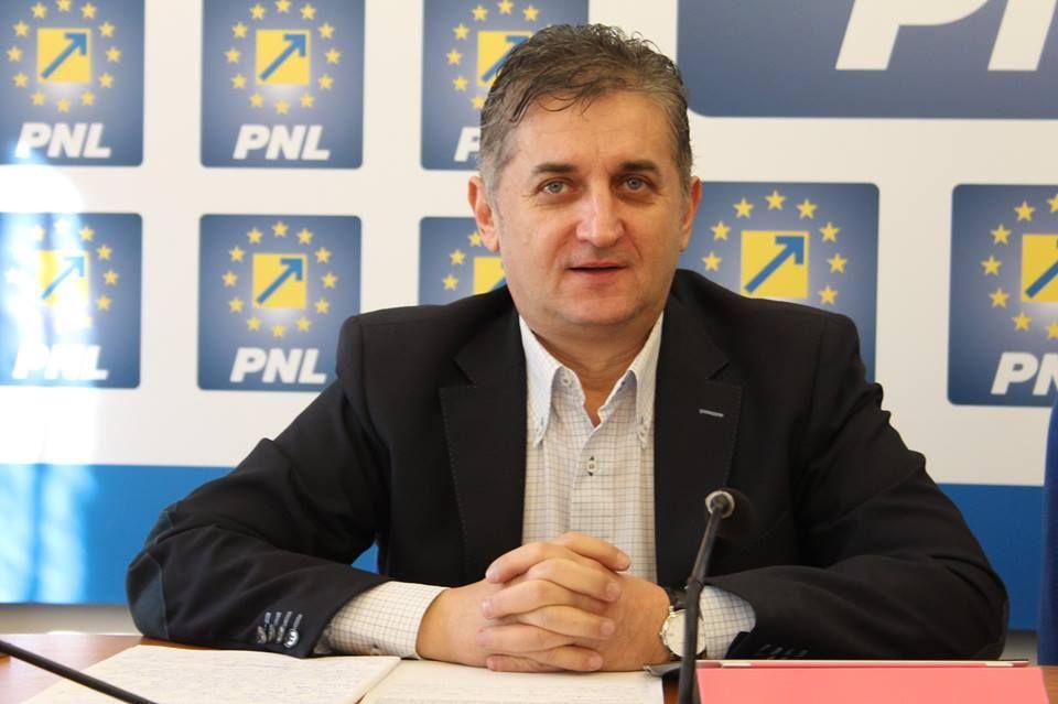 """Eusebiu Pistru: """"Masterplanul PSD-ului e facut pe genunchi"""""""