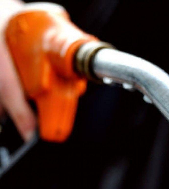 Vești proaste pentru șoferi: prețul carburantului ar putea crește din nou