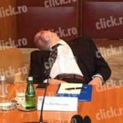 """Consilierul prezidential Dan Mihalache o da pe """"sforaite"""" la intalnirile oficiale!"""