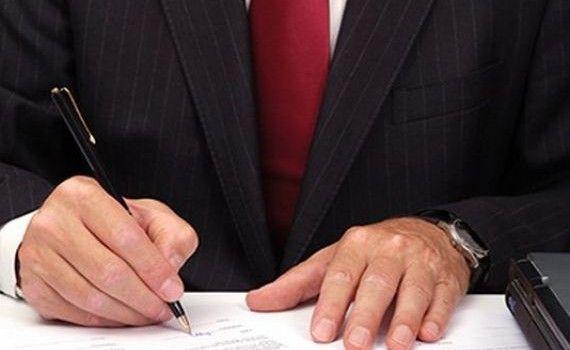 O altfel de hotarare : instanta a obligat sa reesaloneze contractul bancar