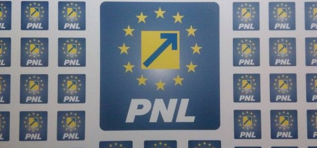Cascadorii râsului, la Păuliș: consilierii PSD au crescut taxele fără să știe!