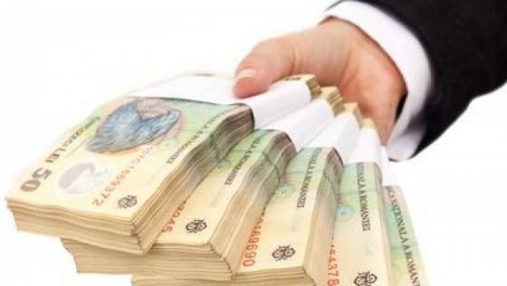 FINANTELE AU IMPRUMUTAT LUNI 500 DE MILIOANE DE LEI DE LA BANCI, PE 5 ANI, LA UN RANDAMENT DE 2,53% PE AN
