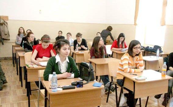 """""""Cornul şi laptele"""" va sosi după o lună de la începerea școlii, în județul Arad"""