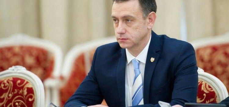 """Mihai Fifor: """"PNL lucrează în detrimentul cetățenilor și în folosul companiilor din energie, asigurări sau sistemul bancar"""""""
