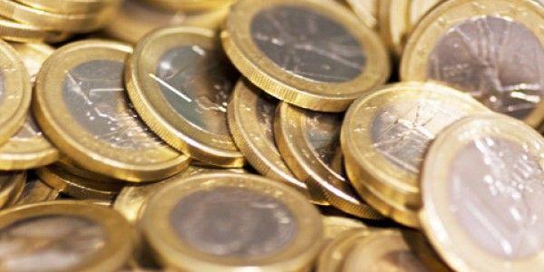DEFICITUL BALANTEI COMERCIALE S-A ADANCIT IN 2015, LA 8,37 MILIARDE DE EURO