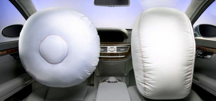 SUA anchetează 30 de milioane de vehicule echipate cu airbag-urile defecte produse de Takata