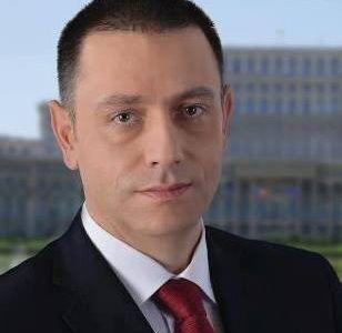 """Senatorul Mihai Fifor salută distingerea unor importante personalităţi arădene cu titlul de """"Cetăţean de Onoare al Municipiului Arad"""""""