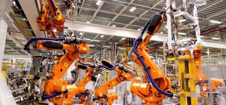 VANZARILE DE ROBOTI INDUSTRIALI AFECTATE DE INCETINIREA PIETEI CHINEZE