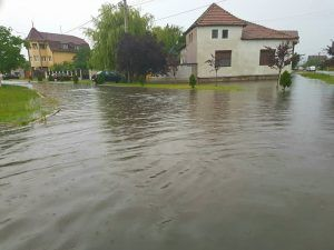 inundatii arad
