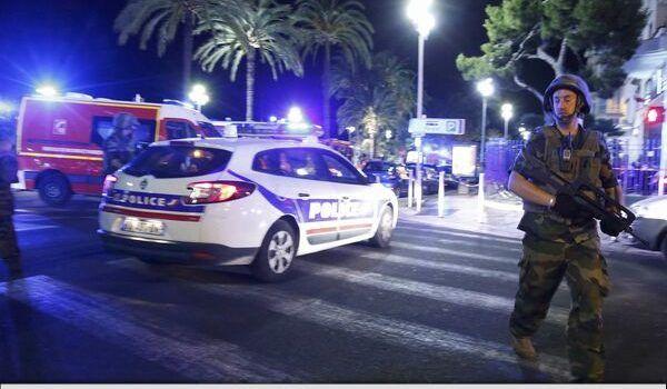 Atentat la Nisa: Un camion a intrat în mulțime de Ziua Națională a Franței