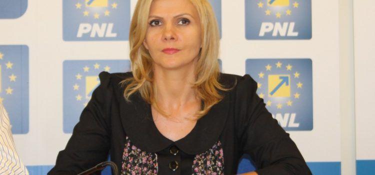 """Claudia Boghicevici: """"Pregătită să lupt pentru arădeni!"""""""