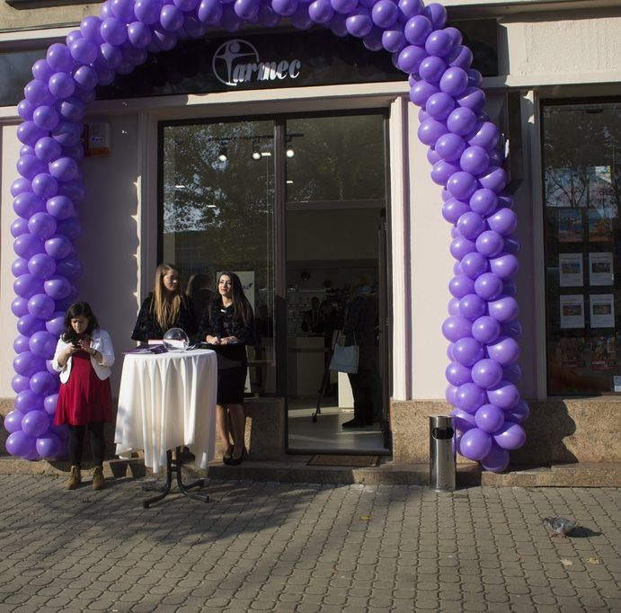 Compania Farmec este tot mai prezentă în Arad