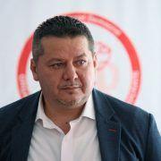 """Marius Sulincean : """"Primarul PNL din Tîrnova este repetent la capitolul asfaltări, însă vrea să preia un drum judeţean plin de gropi"""""""