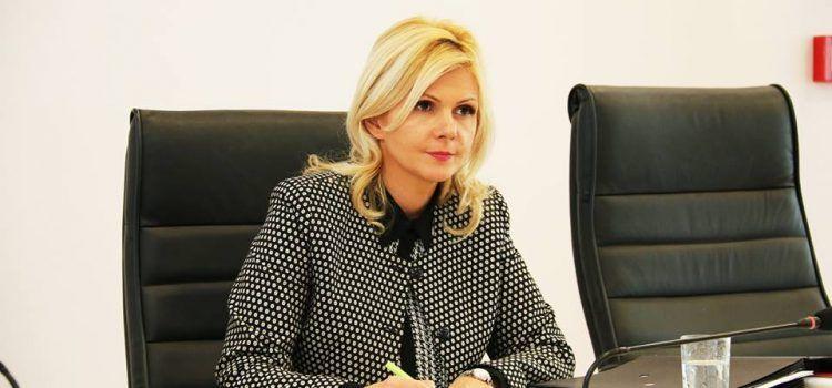Claudia Boghicevici dă asigurări că de pe Aeroportul Arad vor fi și zboruri