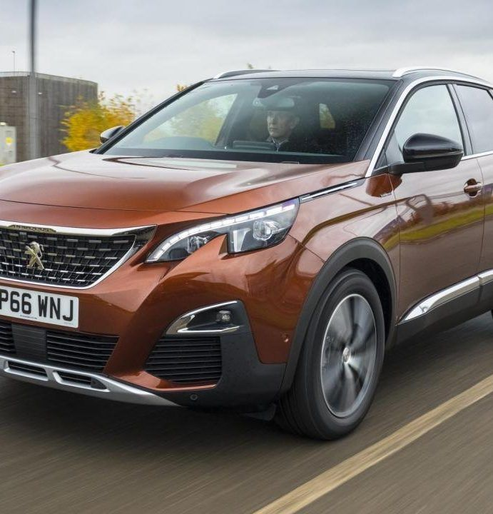 """Peugeot 3008 a câștigat titlul de """"mașina anului"""""""