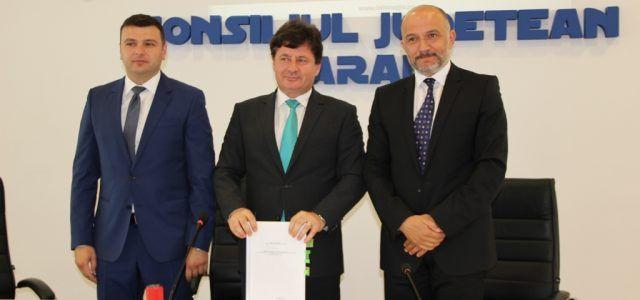 CJA a semnat contractele de modernizare a drumurilor prin ADR Vest