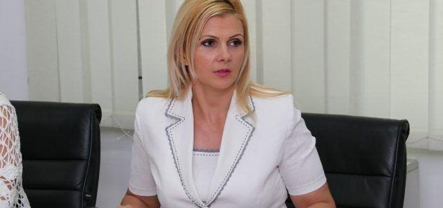 """Claudia Boghicevici: """"Guvernul se spală pe mâini, promite marea cu sarea, dar aruncă răspunderea la administrațiile locale"""""""