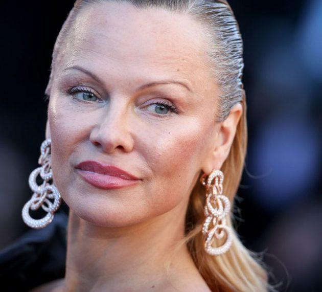 Pamela Anderson, aşteptată la Arad alături de producătorul italian Andrea Iervolino