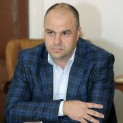 """Adrian Todor: """"Falcă ar trebui să demisioneze, pentru că a blocat amplasarea monumentului Marii Uniri"""""""