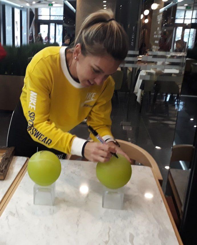 Cat castiga Simona Halep din sponsorizari si care este noul sponsor ce ii pregateste un contract?