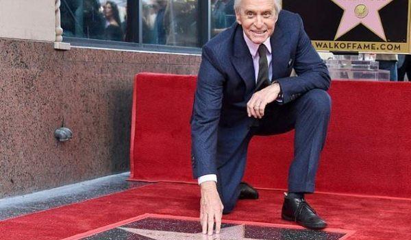 Actorul Michael Douglas a primit o stea pe Walk of Fame din Hollywood