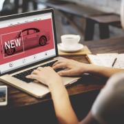 Studiu: 7 Statistici uimitoare despre modul în care clienții cumpără autoturisme