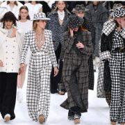Chanel prezinta noua colectie de moda, in memoria lui Karl Lagerfeld. Aparitii de senzatie pe cele mai mari scene de modeling din lume!