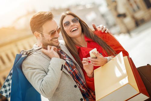Secrete de stil: TOP 5 obiecte vestimentare pe care le poti purta indiferent de varsta!