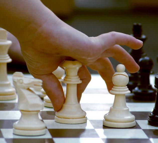România a câștigat meciul de șah online contra Italiei, cu trei arădeni în componență