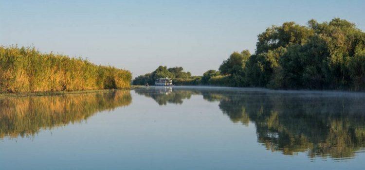 Un arădean a murit în Delta Dunării, după ce a căzut din barca de pescuit