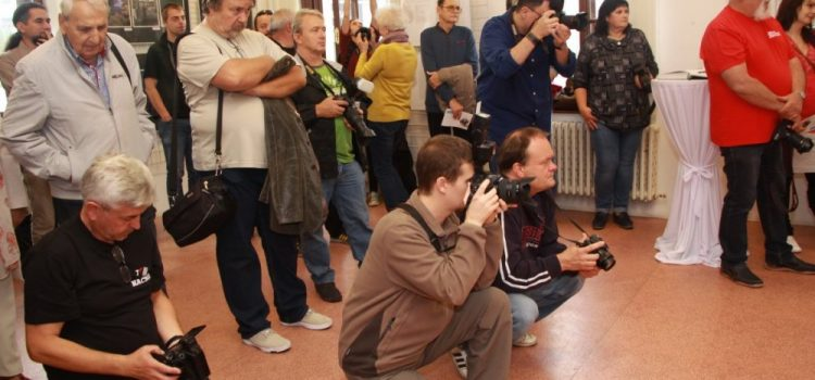 """Aradul, reprezentat de Asociația Foto Club la simpozionul """"Fotografia de azi și de mâine"""" din Slovacia"""