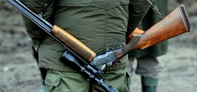 Braconieri opriți cu focuri de armă, la Mădrigești. Doi tineri au fost arestați