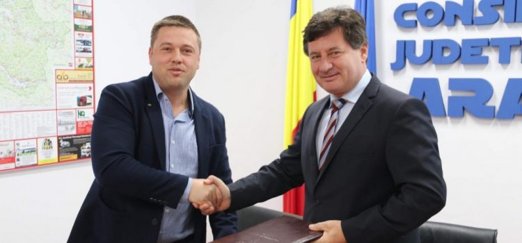 S-a semnat contractul pentru modernizarea drumului Șofronea – Zimand Cuz