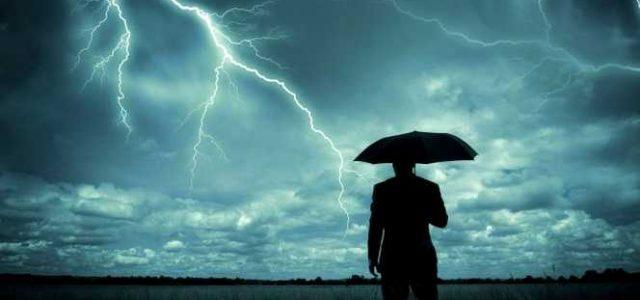 Furtunile de luni seară au dus la o adevărată pană electrică în tot județul Arad