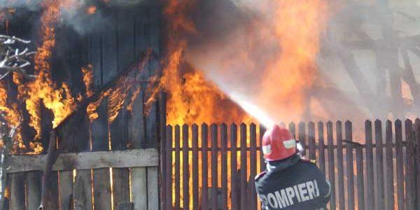 137 de persoane au murit în 2019 în incendii izbucnite în locuințe