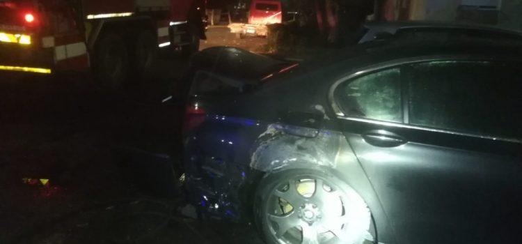 Mașină incendiată azi noapte, în municipiul Arad