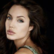 Angelina Jolie, poze nud la 44 de ani