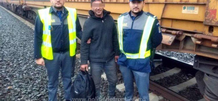 Marocan descoperit ascuns pe platforma unui vagon la P.T.F Curtici