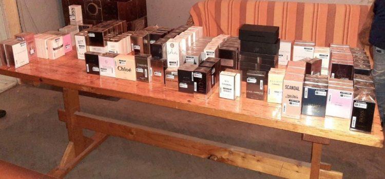 Jandarmii au confiscat 131 de parfumuri contrafăcute