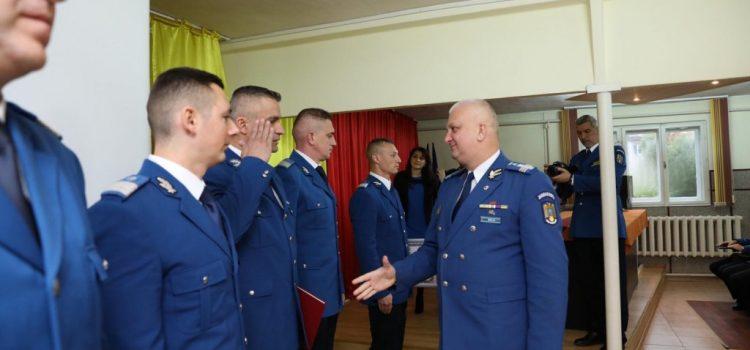Trei jandarmi arădeni au primit Emblema de Onoare a MAI pentru servicii și fapte deosebite