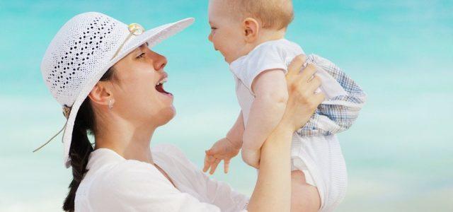 Primele mancaruri solide la bebelusi. Cu ce ar trebui sa incepi?