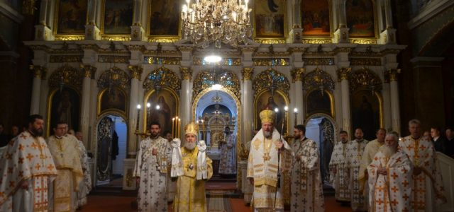 Arădenii l-au sărbătorit pe Arhiepiscopul Timotei, la 35 de ani de arhipăstorire la Arad